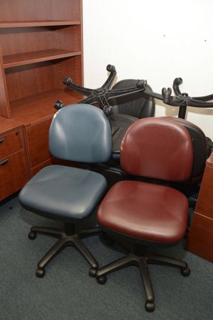 OFFICE LIQUIDATION SALE- Office Chairs for Sale in Los Angeles, CA