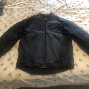 ICON motorcycle Jacket (Size Small) for Sale in Mesa, AZ