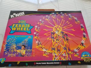 Knex ferris wheel 3 ft tall for Sale in Phoenix, AZ