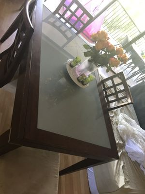 Kitchen Table and 4 chairs for Sale in Naples, FL