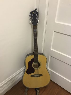 Left handed acoustic guitar for Sale in San Francisco, CA