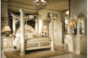 Designer Monte Carlo Birch 4 poster Cal king bedroom set for Sale in Tustin, CA