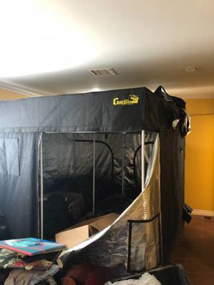 Gorilla grow tent 10x10 for Sale in Los Angeles, CA
