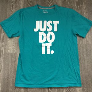 Nike Just Do It Stacked Tee Unisex Turquoise Size Large. for Sale in Apopka, FL