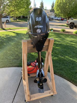 Tohatsu 9.9EL 4-stroke outboard motor. Only three hours of use. Still in break in period. Price includes Mac's prop saver, engine stand, fuel tank an for Sale in Sunriver, OR