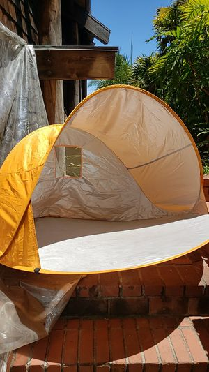 Beach pop up tent for baby kids or sun sensitive great for summer beach park camping for Sale in San Diego, CA