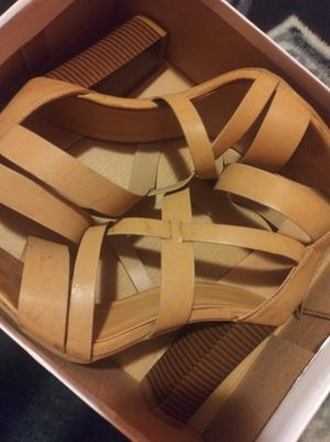 HIGH HEELS FROM VIVA FASHION NEW!!! AND SIZE 8 CONVERSE ALSO NEW IN THE BOX NEVER WORN! for Sale in Kansas City, MO