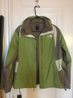 The North Face Ski Jacket (sz: M) for Sale in Boston, MA
