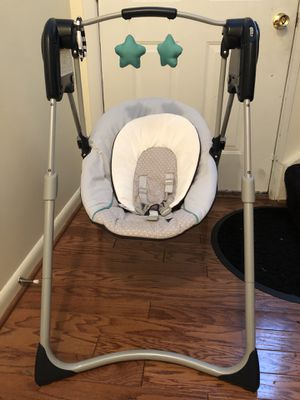 Baby Swing(Two double A Batteries) for Sale in Gaithersburg, MD