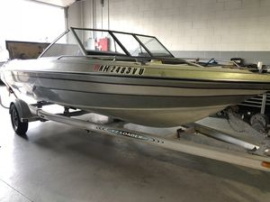 I sell my boat 18ft with a aluminum trailer, everything runs good! for Sale in Peabody, MA