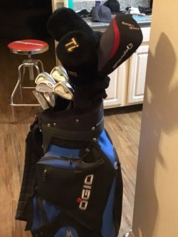 Moving To The UK And Nothing Goes So Need To Find $Owner Bullet Taylor Made Ogio Echelon Golf for Sale in Las Vegas,  NV