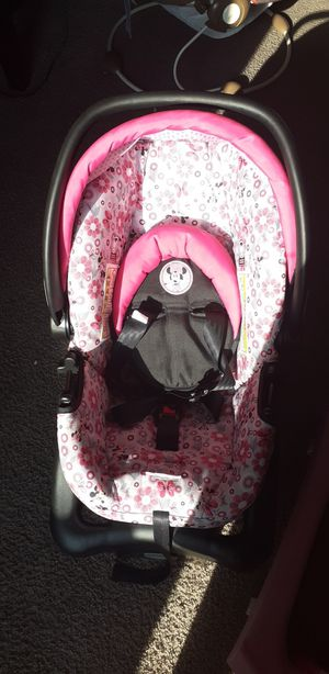 Minnie mouse car seat for Sale in Austin, TX