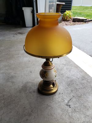 Antique lamp for Sale in Bordentown, NJ