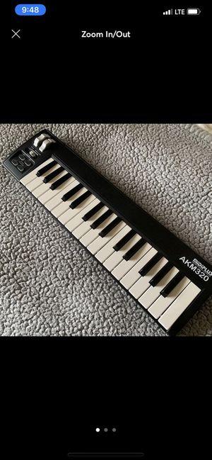 Mini USB midi keyboard AKM320 Like new for Sale in Staten Island, NY