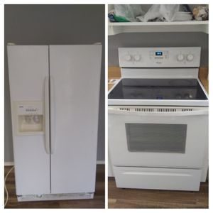 Whirlpool stove and Kenmore refrigerator for Sale in Everman, TX