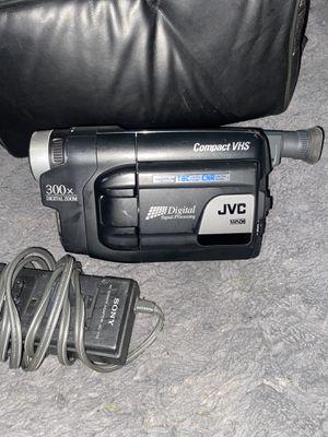 JVC GR-AXM225U Compact VHS Camcorder VHS-C Transfer Bundle Case Battery Pack AC for Sale in Overland, MO