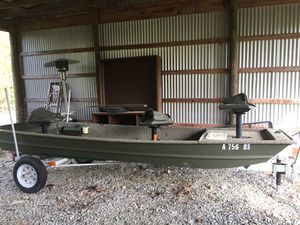 14' jonboat, trolling motor, & trailor for Sale in Lynchburg, VA