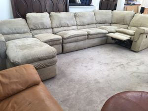 5pc Beige Upholstered Recliner Sectional sofa by La-Z-Boy for Sale in Romeoville, IL
