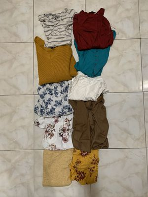 Women's clothes SIZE SMALL for Sale in Bellflower, CA