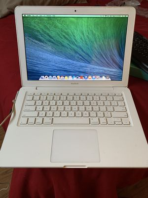 MacBook 13 inch laptop for Sale in Deerfield Beach, FL