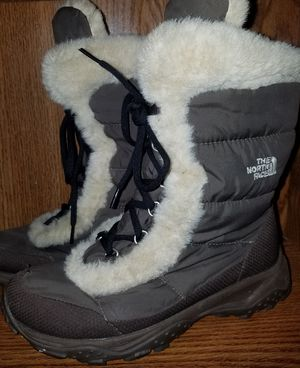 North Face Boots Size 5 for Sale in Farmersville, IL