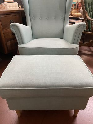 chair with ottoman for Sale in Yucaipa, CA