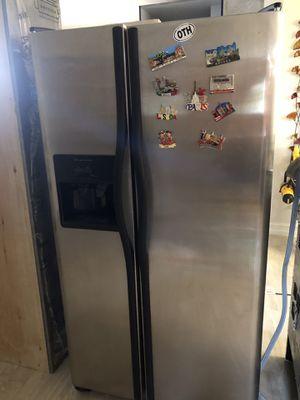 Frigidaire Refrigerator for Sale in Hialeah, FL