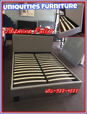 Queen size platform bed frame for Sale in Peoria, AZ