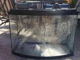32 Gallon Bow Front With Filter for Sale in Tampa,  FL