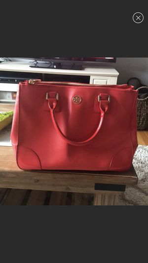 Tory Burch messenger tote bag for Sale in Everett, MA