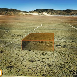 1.25 acre desert playground in Mohave County Az for Sale in Golden Valley, AZ