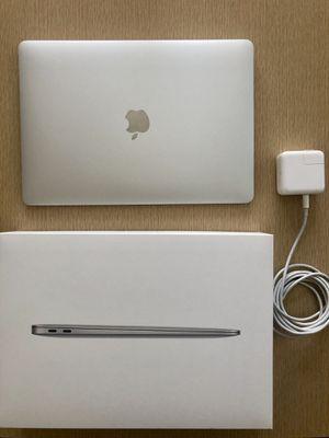 MacBook Air (Dec 2018) Silver 128gb for Sale in Elgin, IL
