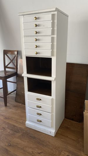 Drawers / cabinet / dresser / storage for Sale in Las Vegas, NV