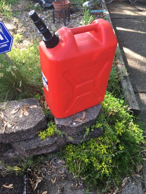 5 gallon gas can for Sale in Reynoldsburg, OH