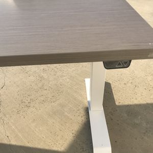 Electric Sitting And Standing Desk for Sale in San Jose, CA