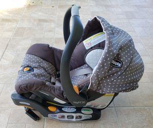Chicco Keyfit 30 Infant Car Seat for Sale in Carol City, FL