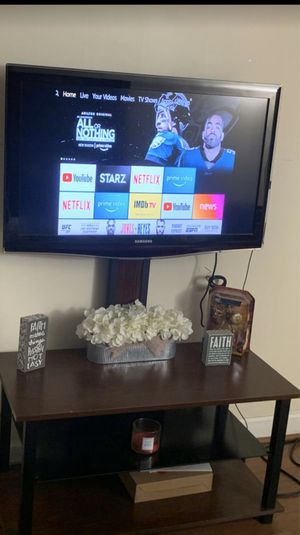 40 inch TV with attached stand (Must pick up) for Sale in Margate, FL