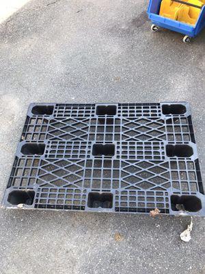 Plastic Pallet for Sale in Lynn, MA