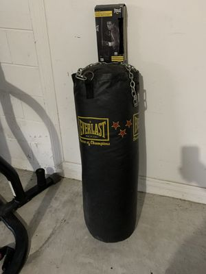 Punching bag with gloves for Sale in Kissimmee, FL