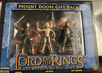 LORD OF THE RINGS MOUNT DOOM GIFT PACK FRODO GOLLUM SAM GAMGEE RETURN KING NEW for Sale in Salinas, CA