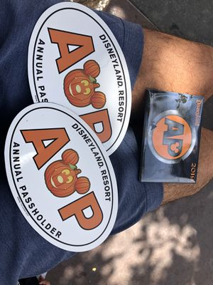 First time limited edition Disney pumpkin AP magnets and pins for Sale in Riverside, CA
