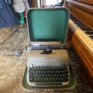 Remington Rand Quiet Riter Typewriter for Sale in Burleson, TX