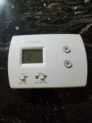 Honeywell Pro Non-Programmable Digital Thermostat for Sale in Miami Gardens, FL