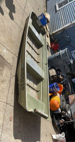 12 foot bass boat for Sale in Woonsocket, RI