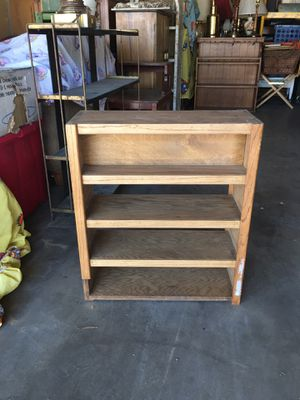 Small shelf 10.00 for Sale in Lancaster, CA