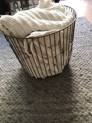 Gold metal bin (with free blanket) for Sale in Culver City, CA