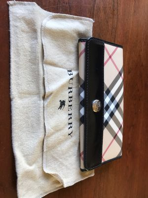 Ladies Burberry wallet for Sale in CT, US