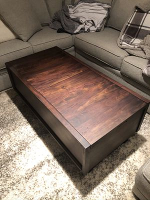 Crate & barrel coffee table for Sale in Nashville, TN