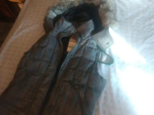 Aeropostale small hoodie sleeveless type vest down feather woman's jacket
