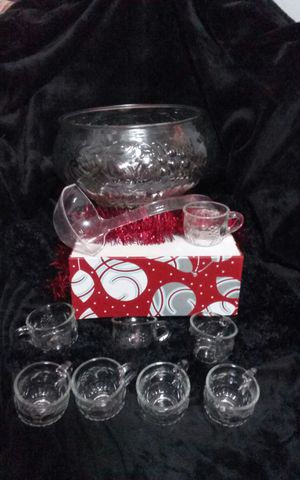 1950's 1970's Jeannette Punch Bowl with 8 Cups Friut Design for Sale in La Pine, OR